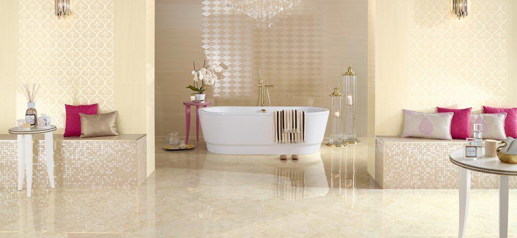 Baño de mármol crema Boticcino - Boticcino cream marble bathroom