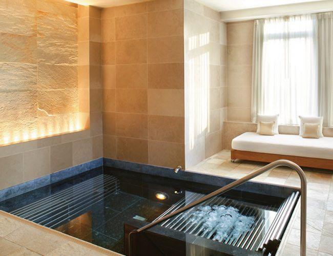 780-R-mandarin hotel crema