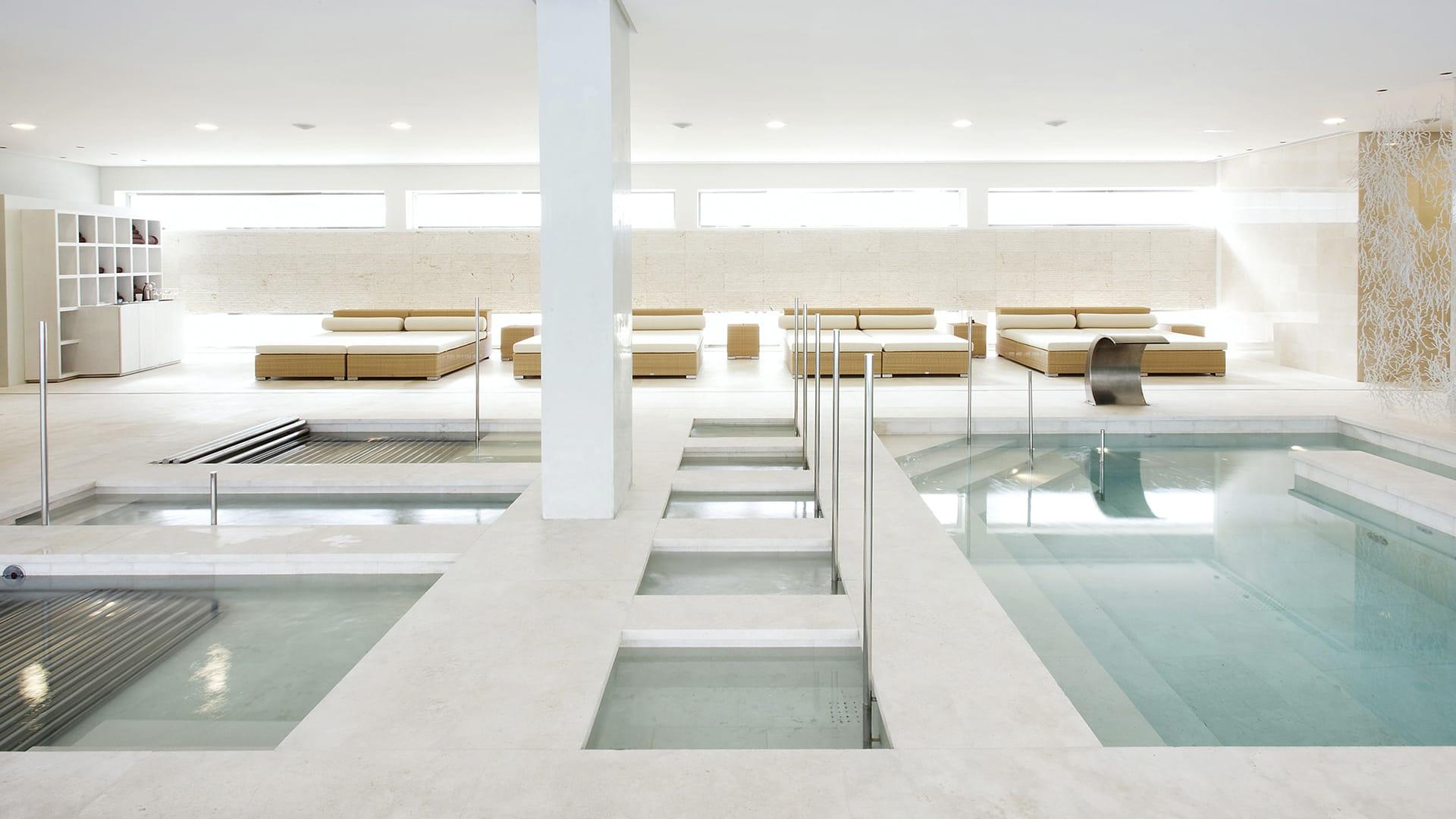 tino-natural-stone-casino-ibiza-interiors-bathrooms-iceberg-fantasy-granito-negro