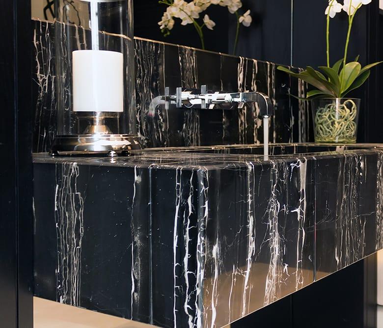 Encimera de mármol negro para baño | TINO Natural Stone