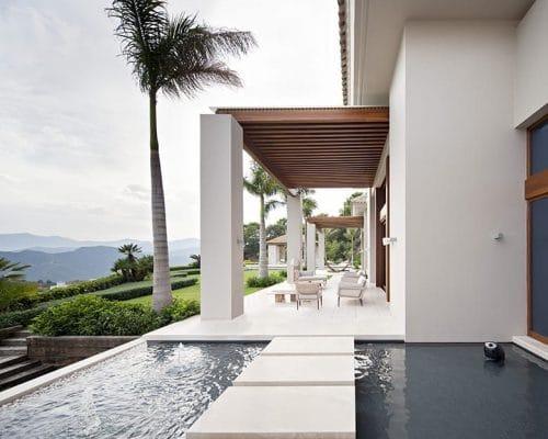 IMAGE1-780-tino-proyectos-villa-lujo-zagaleta-marbella-exteriores-crema-bianco-1