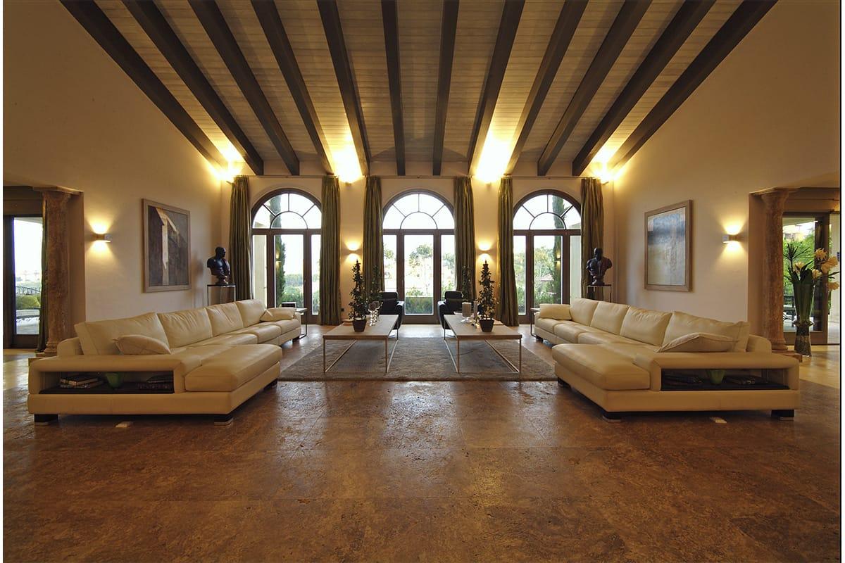 Tino-proyectos-villa-lujo-sotogrande-provenza-salon-travertino-classico