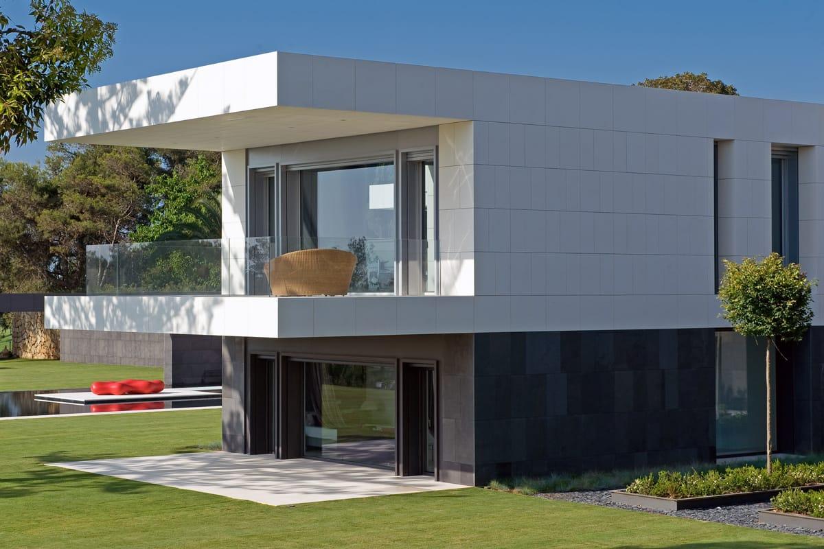 Revestimientos de exterior de mármol y piedra natural - Marble and natural stone exterior claddings and floorings