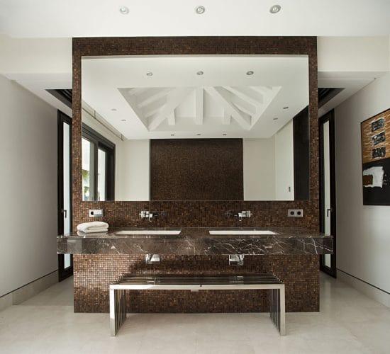 saint-laurent-puedra-natural-baño1