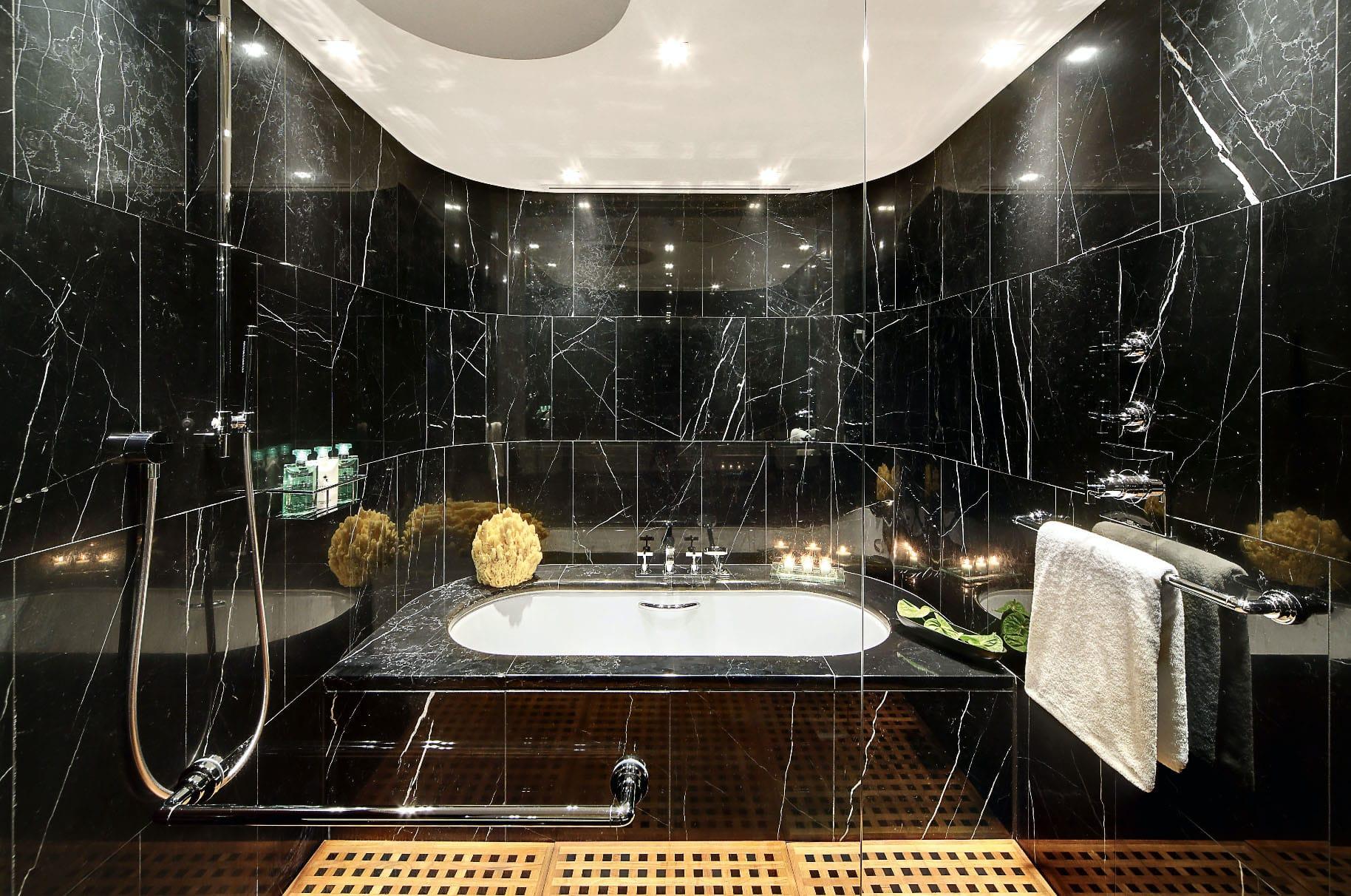 Baño De Mármol Marquina Bulgari Hotel Black Marble Bathroom