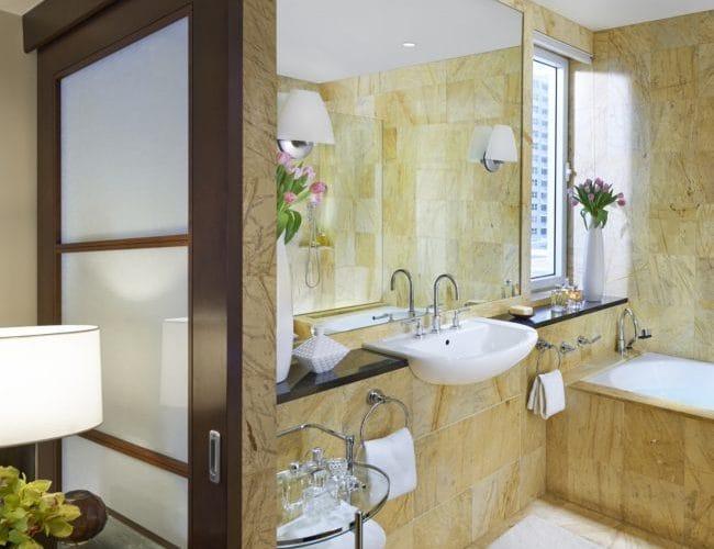 miami-2014-suite-dynasty-bathroom