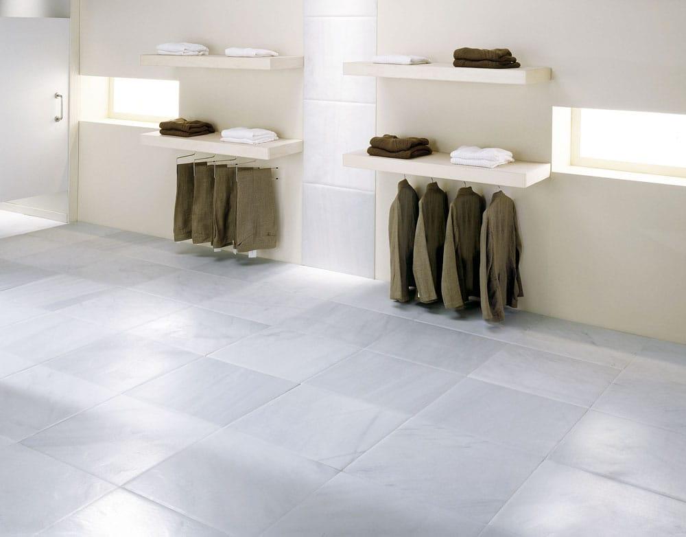 Macael White marble showroom - Tienda revestida de mármol Blanco Macael