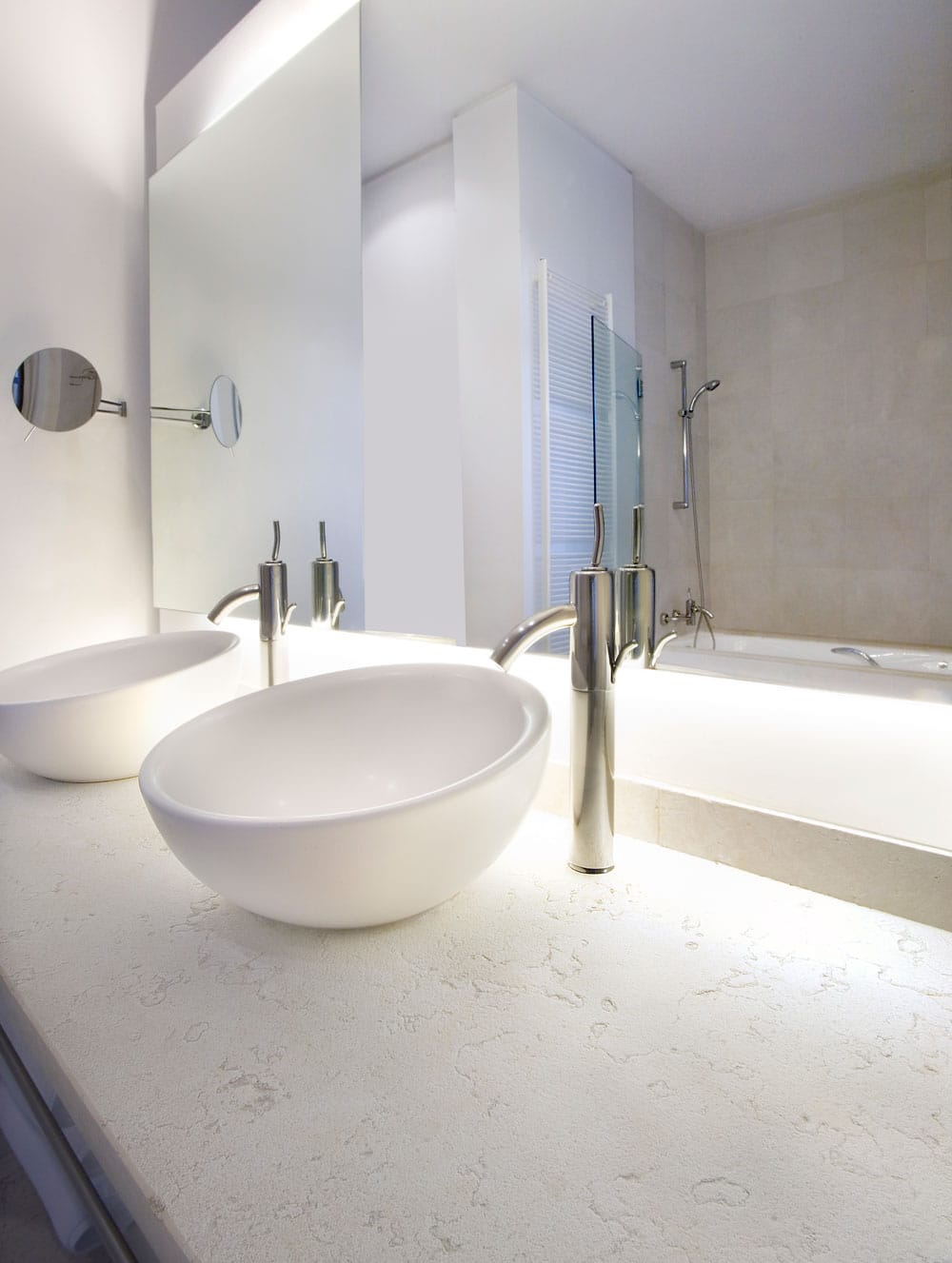 Bianco Perlino white marble bathroom - Baño de mármol Blanco Perlino