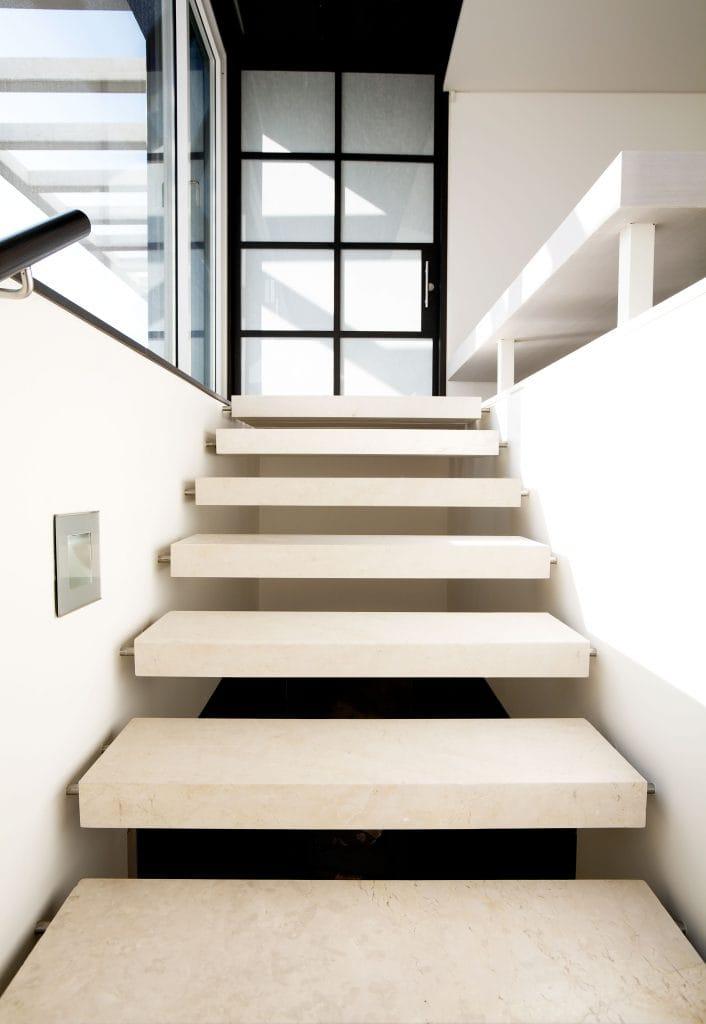 Marble staircases - La Moraleja - Escaleras de mármol.
