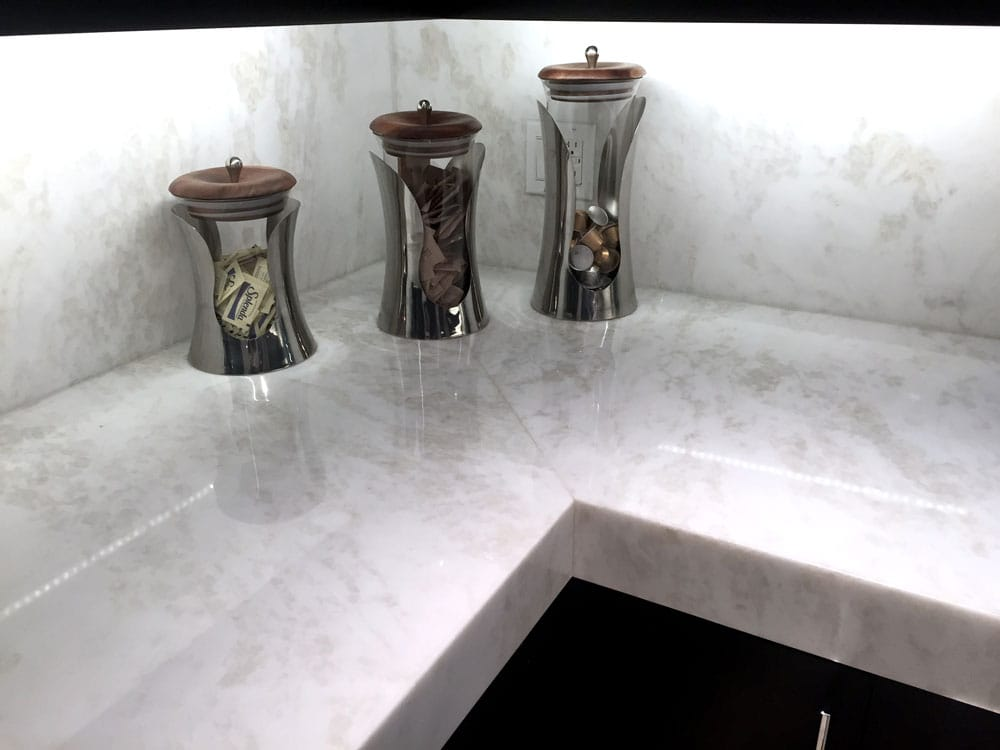 Iceberg White marble worktop - Encimera de mármol Blanco Iceberg