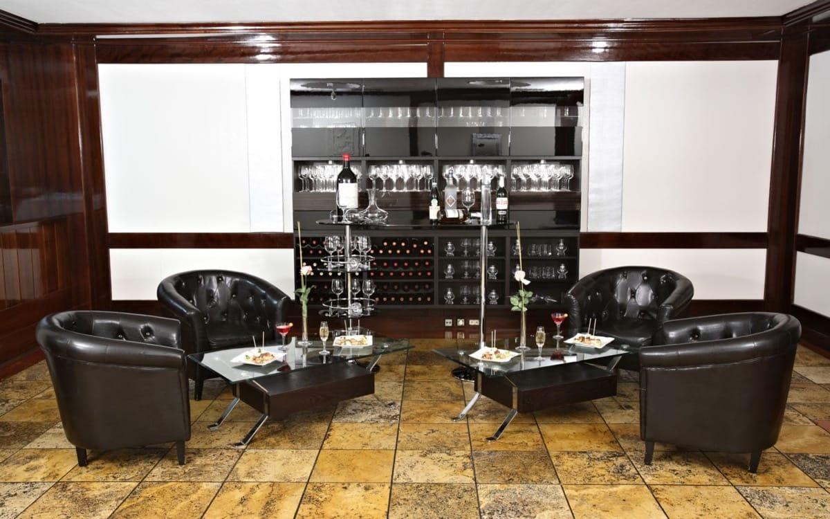 Travertino Classico- Ercilla Hotel - Travertine Classic