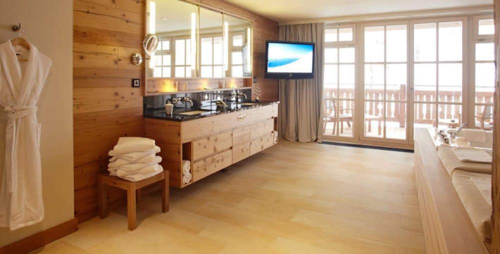 Marble supplier in Austria - Grand Hotel Kitzbühel - Crema Bianco - Proveedor de mármol en Austria