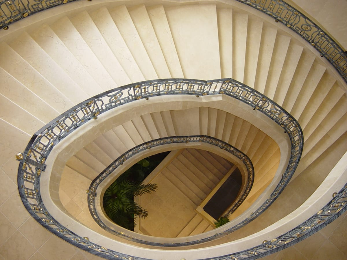 Travertine Classic stairs - Beatriz Palace - Escaleras de Travertino Classico