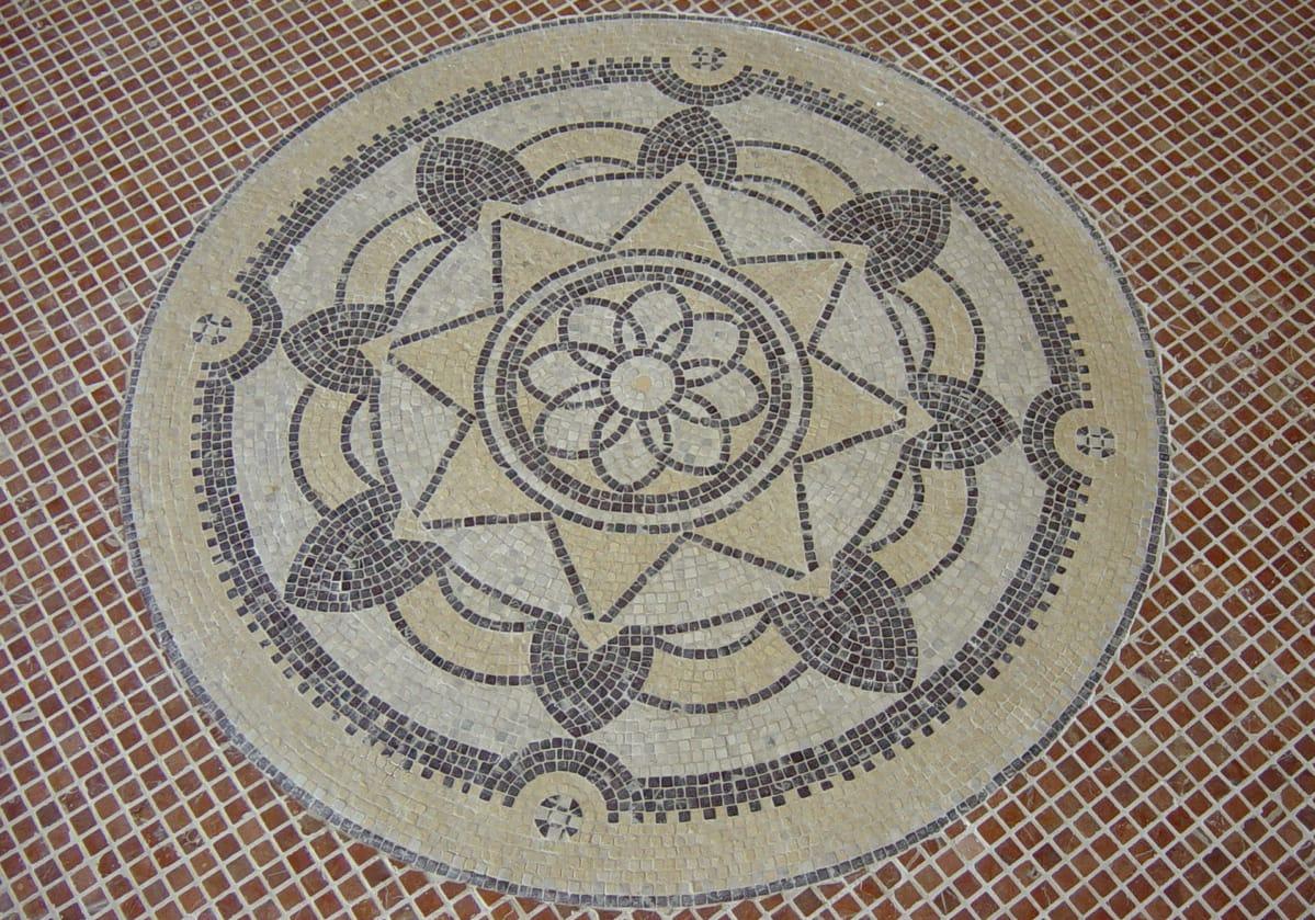 Rosetón en mosaico de mármol - Beatriz Palace - Marble mosaic rosette