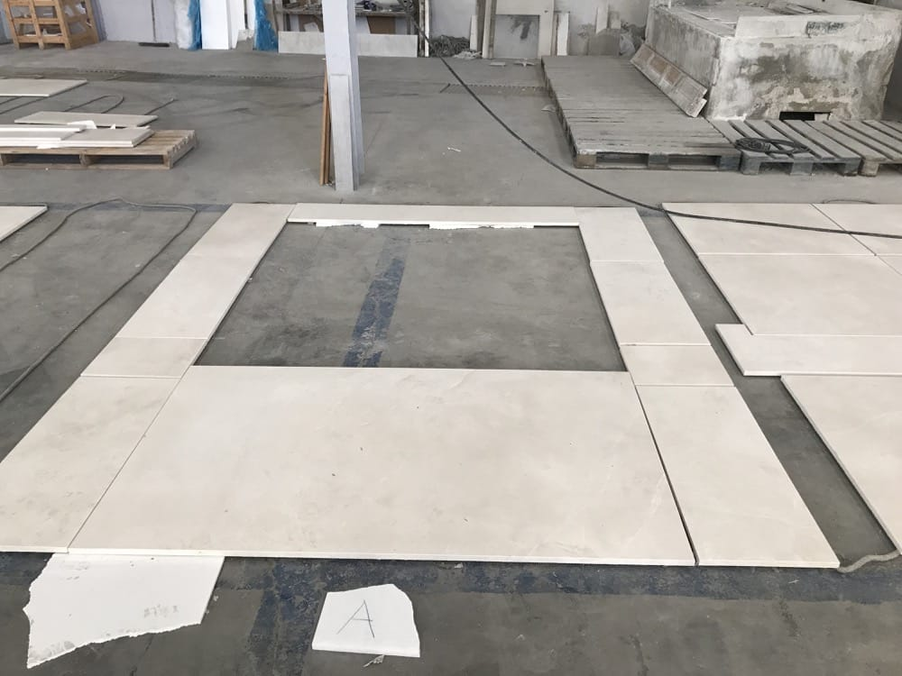 Extendido en seco mármol crema - Beige marble dry laying 2