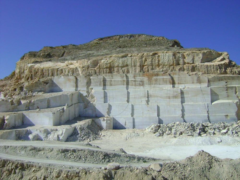 Cantera de mármol Blanco Macael - Macael White marble quarry