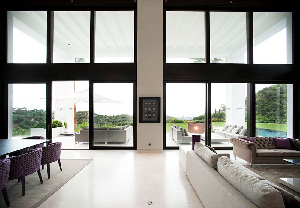 Sala de estar con suelo de mármol Crema Premium - La Zagaleta Marbella - Premium Beige marble livingroom