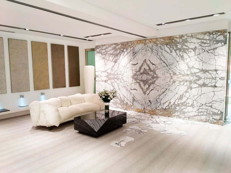 Interiorismo con mármol en el salón - Marble in the living room