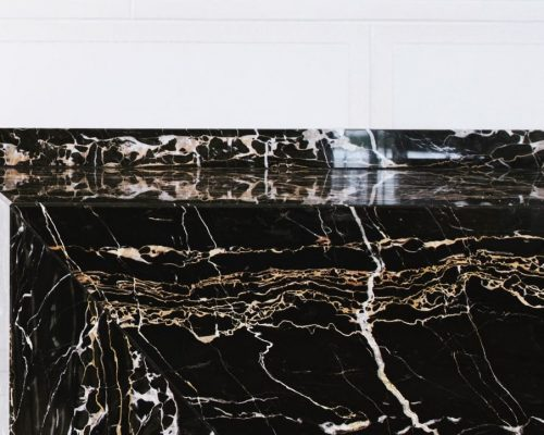 Meliá Palacio de los Duques - Portoro - Mármol con vetas doradas - Marble with golden veins 2