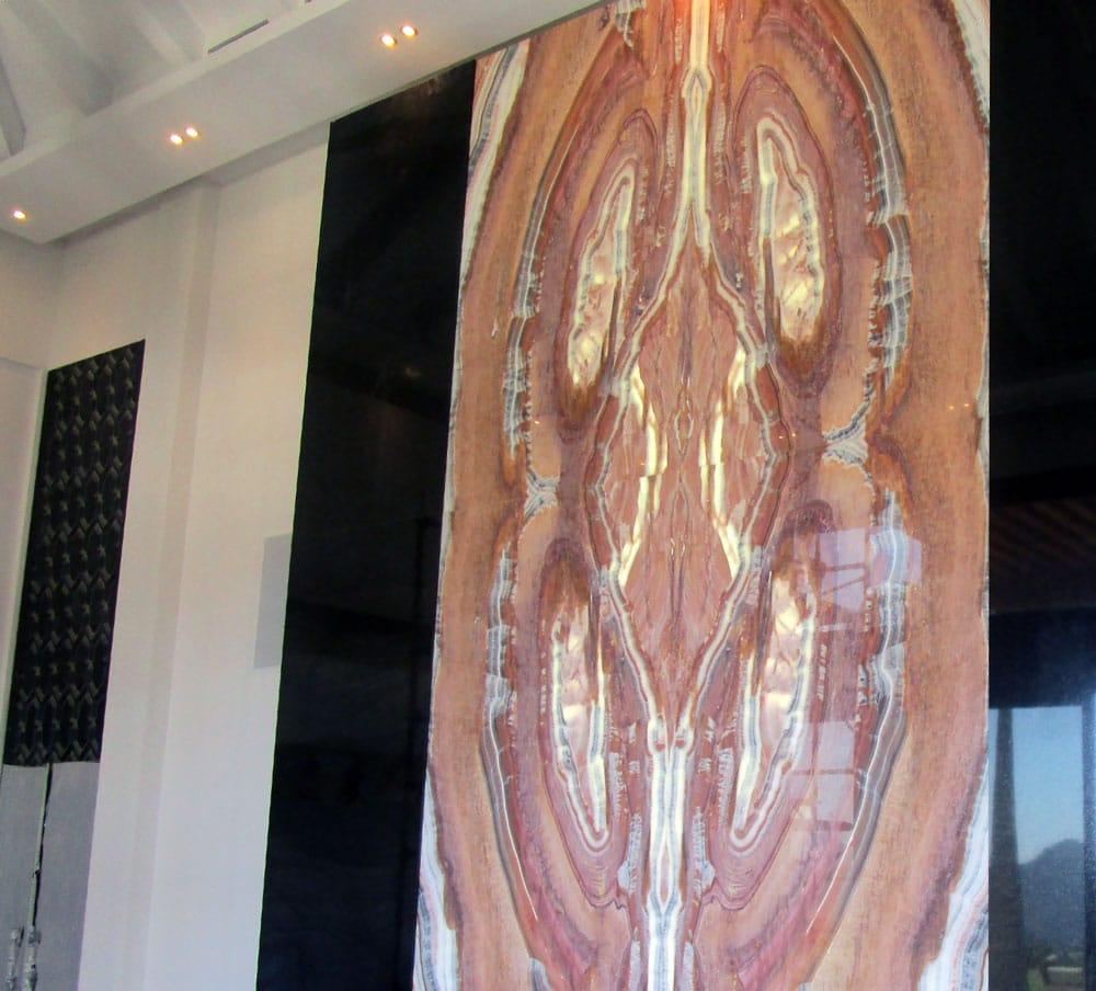 Pared destacada de Ónix Naranja - Orange Onyx outstanding marble wall