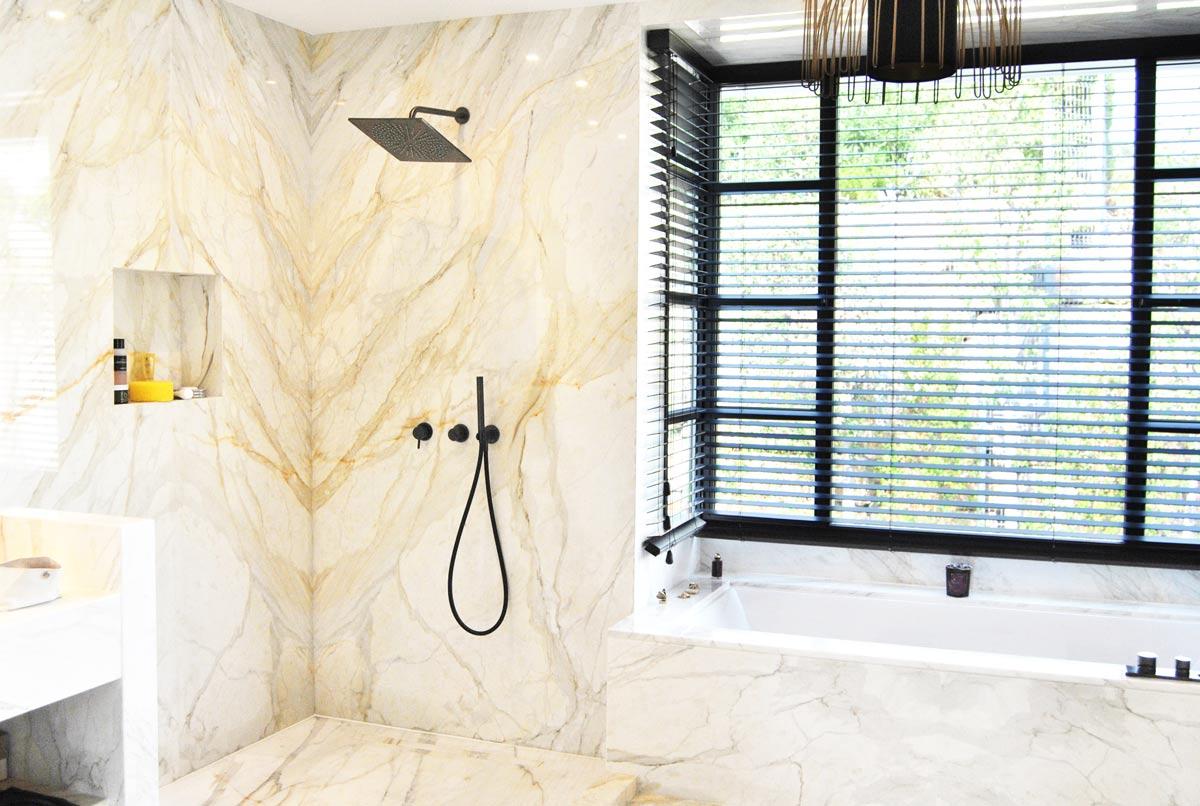 Baño mármol Calacatta Oro - Marbella VI - Calacatta Gold bathroom