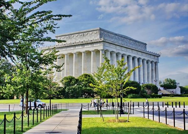 Lincoln Memorial Center