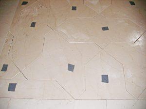 Instalación de suelos y paredes de mármol - Installation of marble floors and walls