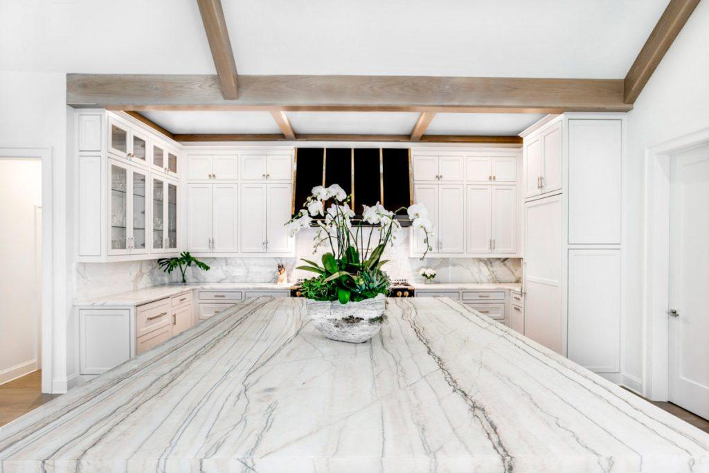 Cocina - Encimera - Blanco- Macaubas - White - Coutertop - Kitchen