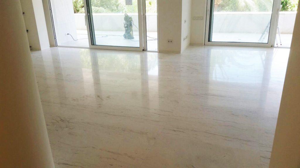Pulir un suelo de mármol - Polishing a marble floor
