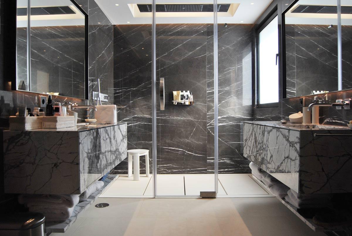 Baño piedra natural - Villa Marbella VI - Natural stone bathroom