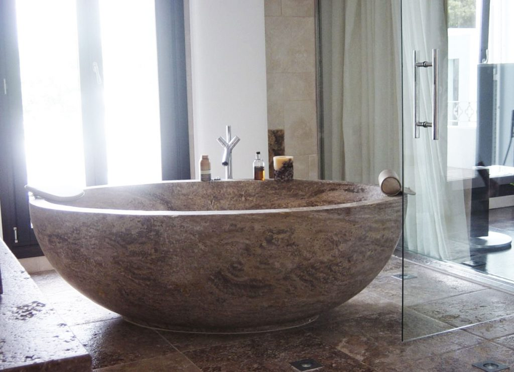 Bañera maciza de travertino - Bloque - Block - Solid travertine bathtub