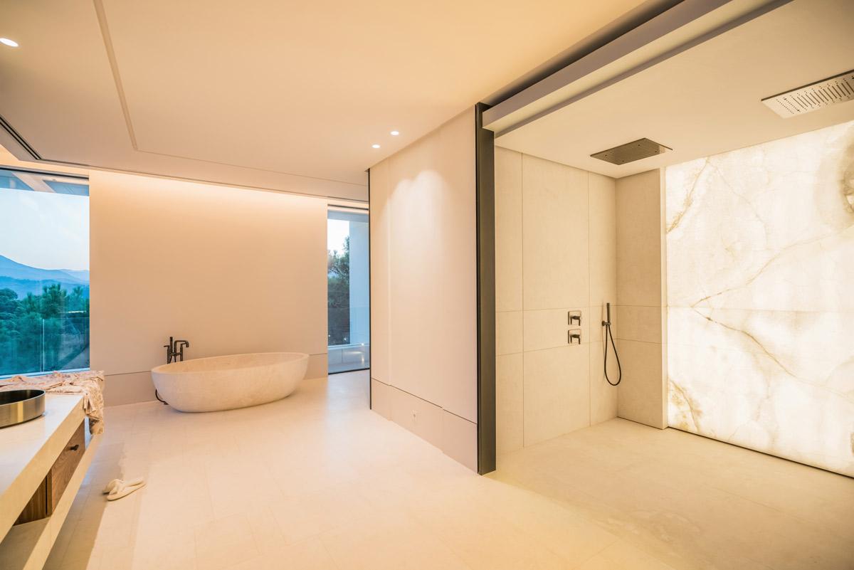 Pared baño Ónix retroiluminado - Villa Cullinan - Backlit onyx wall bathroom