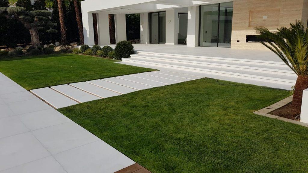 Limpieza de una terraza con suelo de mármol después de una obra o reforma - Cleaning a marble floor terrace after construction work or renovation