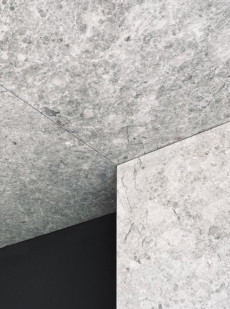 Techo de mármol natural ultraligero - Ultralightweight natural marble ceiling