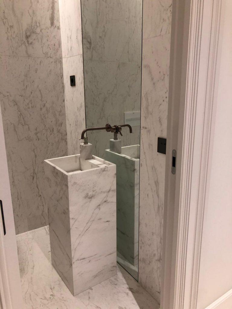 How to protect a bathroom with marble or natural stone surfaces? - ¿Cómo proteger un baño con superficies de mármol o piedra natural?
