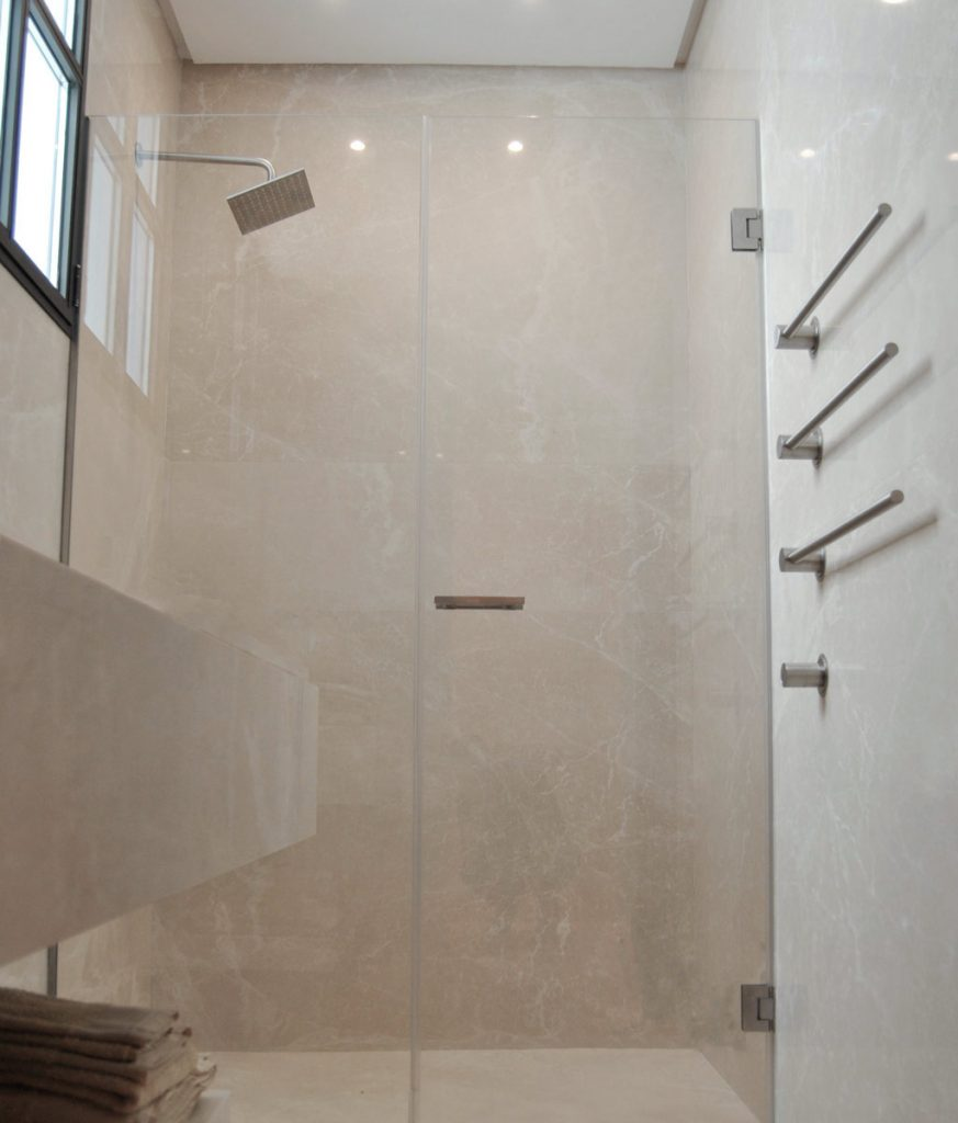 Baño de mármol crema - Beige marble bathroom